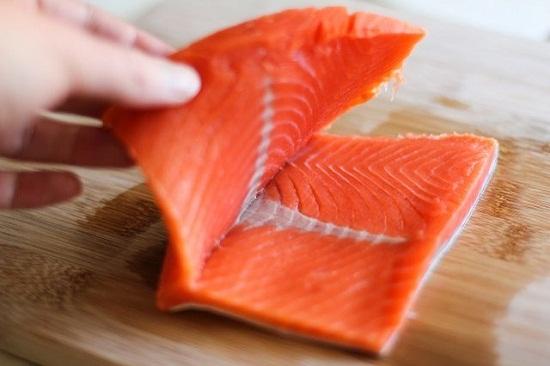 cách làm cá hồi nhồi