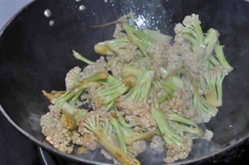 Cách làm cua nấu súp lơ ngon