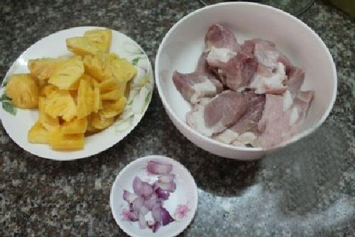 Cách nấu thịt kho dứa