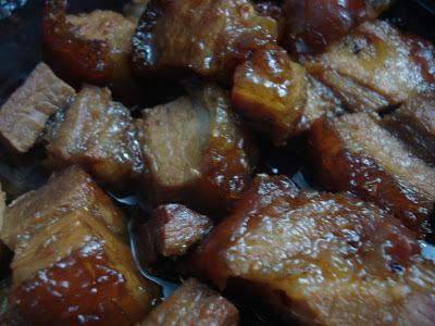 thịt lợn quay kho cùng dưa chua4