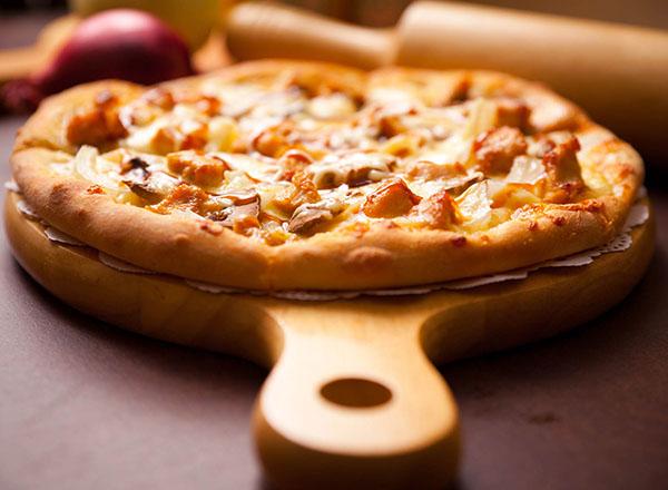 cach-lam-banh-pizza