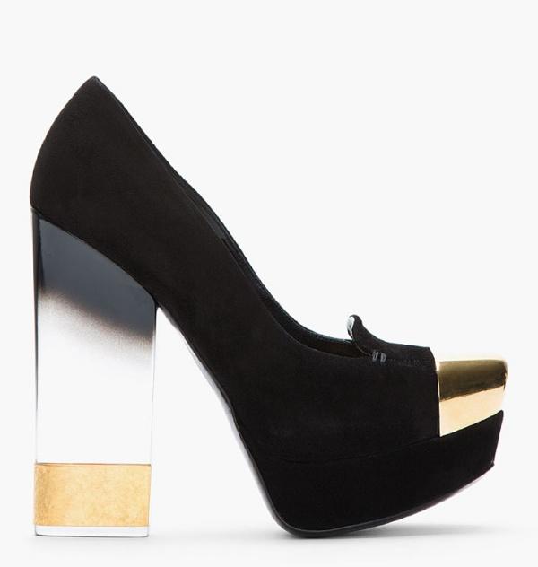 giày gót thủy tinh
