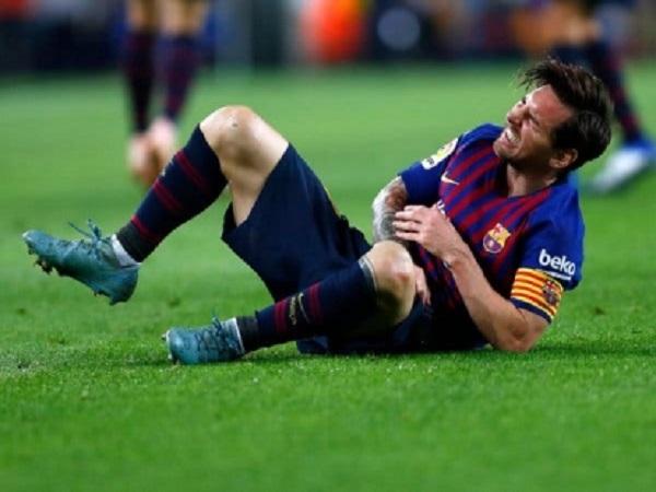 Cách tránh chấn thương khi đá bóng mà bạn nên biết