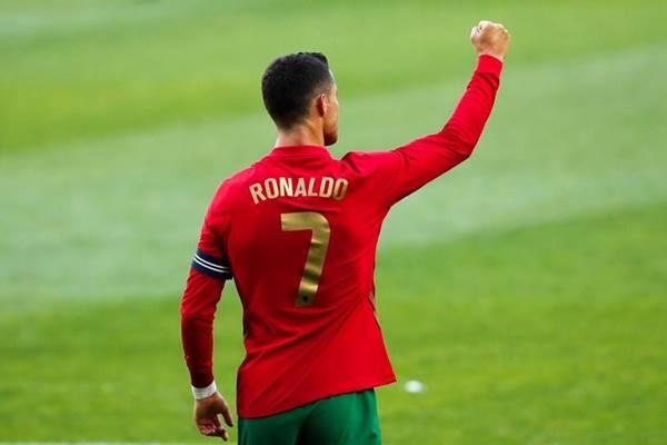 Ronaldo sắp bắt kịp kỷ lục ghi bàn mọi thời đại